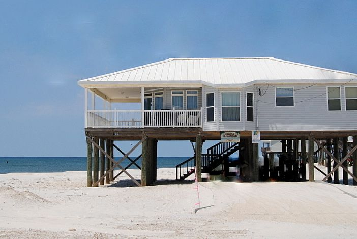 Gulf-front 3 bdrm Home on the Gulf of Mexico beach